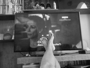 テレビで起きる